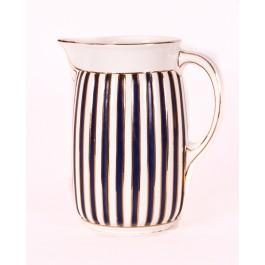 Wasserkrug aus Keramik
