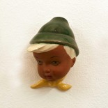 Wandmaske Junge mit Hut *